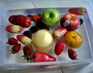 buah segar di rendm air garam dulu bentar