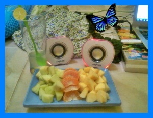 sampe speker leptop ku aja bentuknya buah apel :)